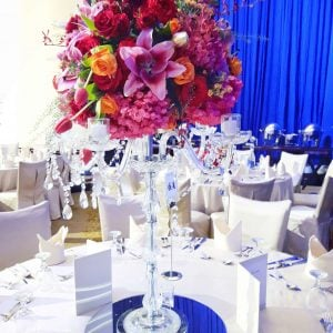 Tall center piece arrangment for round table