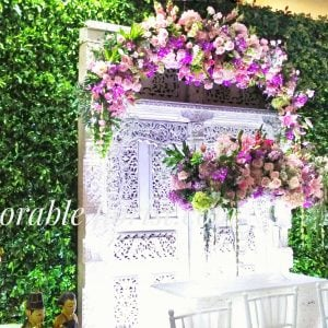 Backdrop and flower arrangement for sungkeman