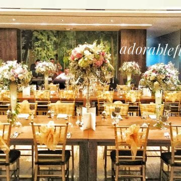 Long table flower arrangement
